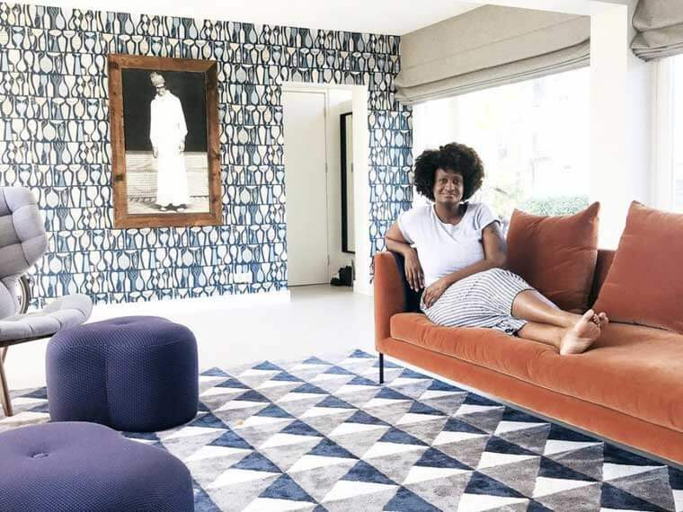 THIS BLACK WOMAN TRAVELS THE WORLD BY HOUSESITTING! SHE STARTED AT AGE 41! HERE'S HOW YOU CAN TOO!